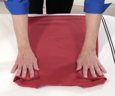 how to roll a t shirt for packing