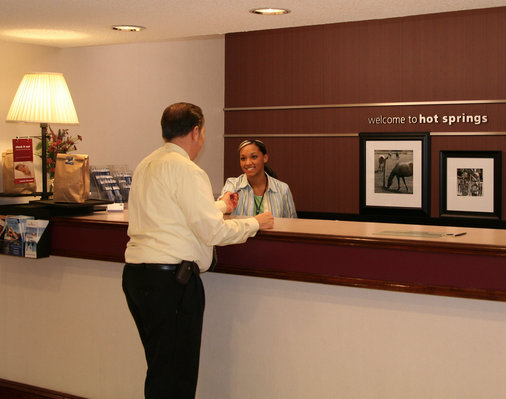 travel tips get free stuff at the hotel front desk
