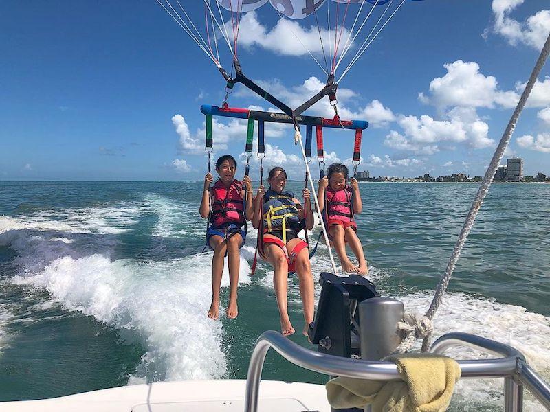 kids parasailing