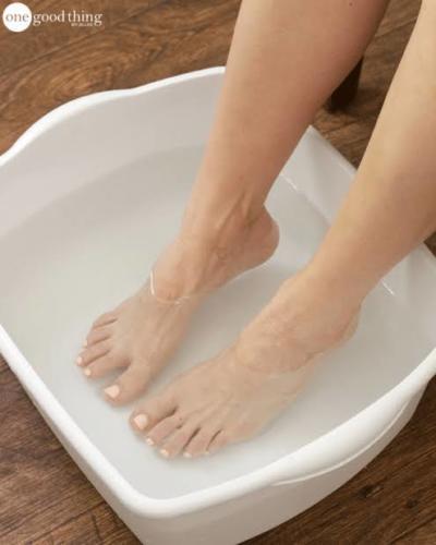 soaking feet in salt water