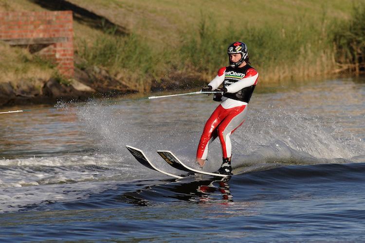 water skiing bi ski