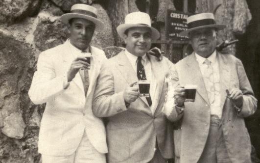 Capone-at-Tropical-Garden-Cuba-2