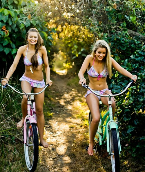 beach bikes girls riding