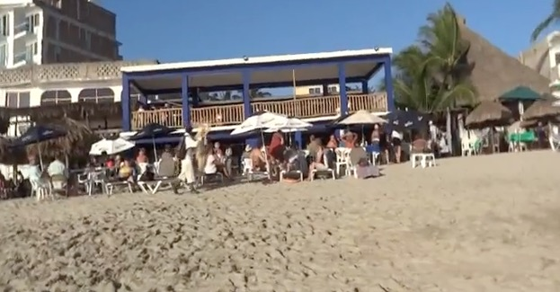 beach-baby-bob-visits-bucerias