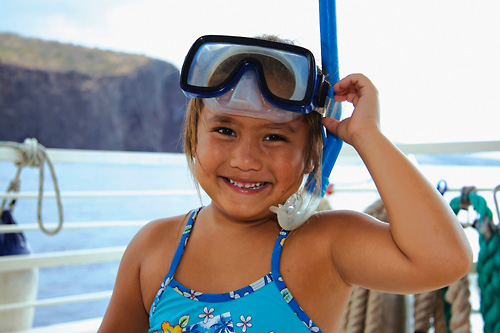 children-snorkeling-in-maui