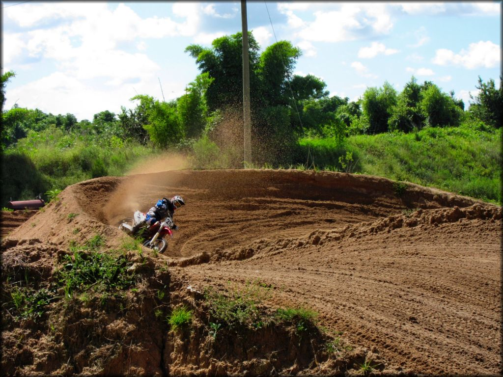 outdoor-dirt-bike-trail-florida