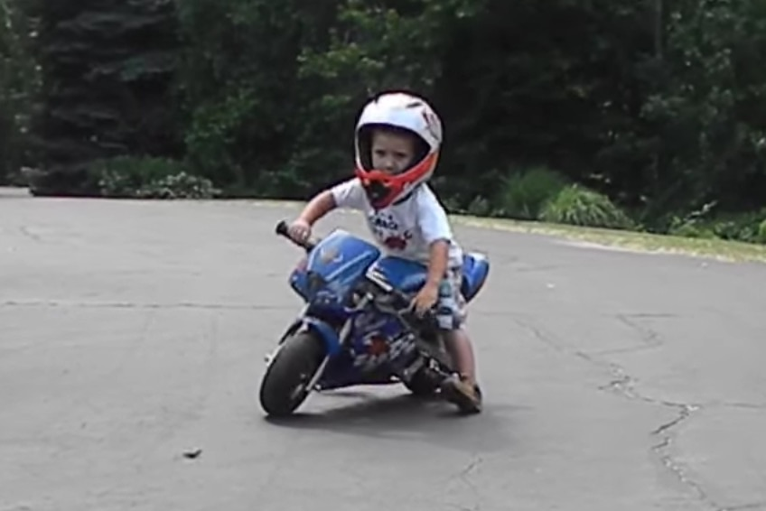 Motorcycle Safety Gear >> Razor Pocket Rocket Kid's Motorcycle Review