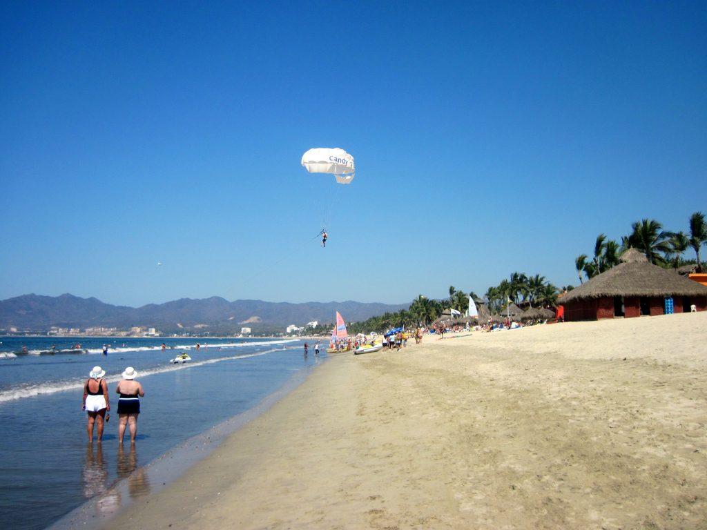 parasailing on Bucerias beach