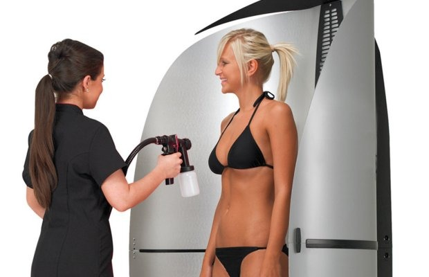 How to Stand in a Spray Tan Booth