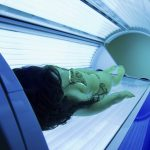 How to Apply Lotion for a Tanning Bed Session