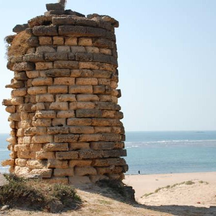 Mul-Dwarka-Ancient-Lighthouse-on-the-coast_Q640