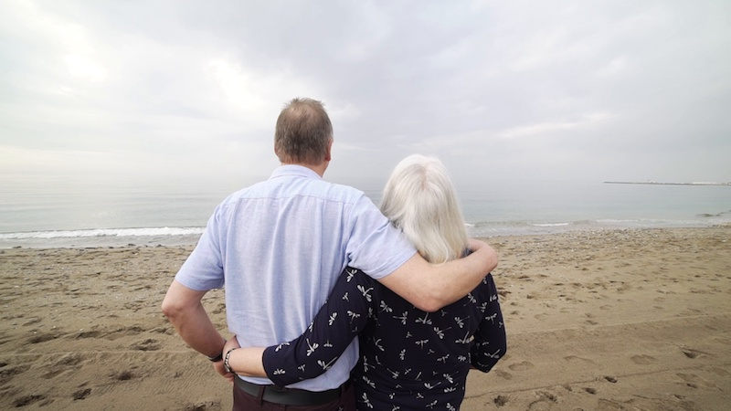 romantic-old-couple-beach-view-footage-089693616_prevstill